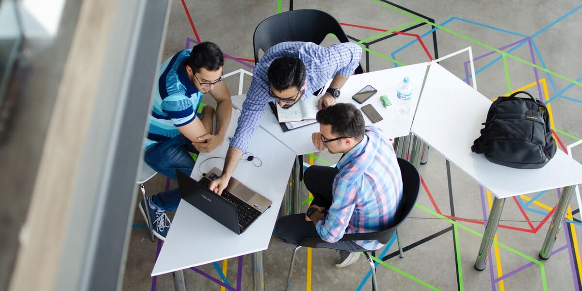 Why Co-Working Spaces Should Rent Laptops?